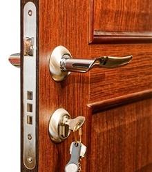 Okucia drzwiowe montaż